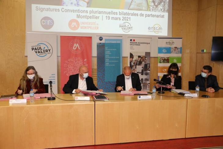 Signature de la convention UPV - CNRS